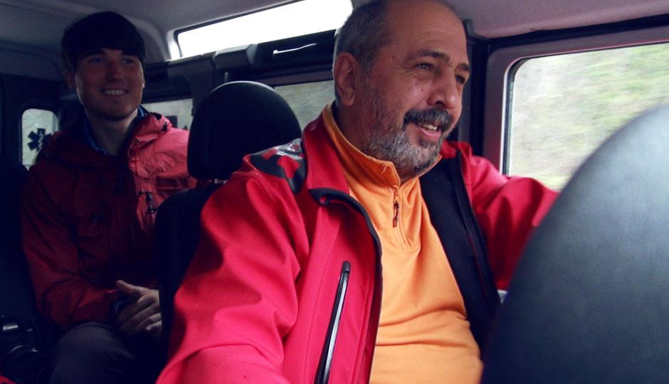 Vali unterhält uns mit Geschichten und Witzen rund um Rumänien