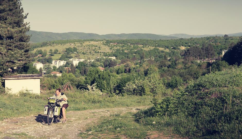 Ab der letzten bulgarischen Stadt vor der Grenze - Malko Tarnowo - geht es steil bergauf.