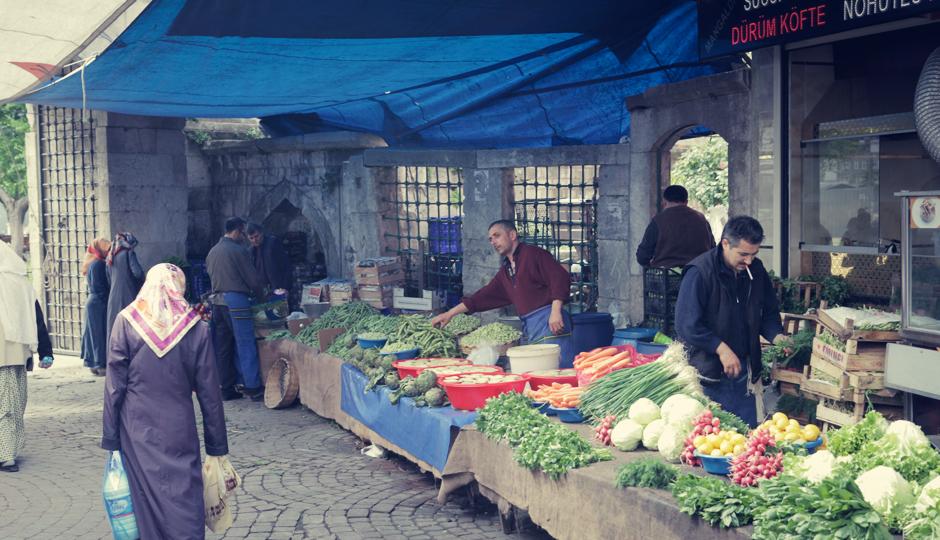 Wir fühlen uns in dem untouristischen, sehr muslimischen Stadtteil Fatih sehr wohl...
