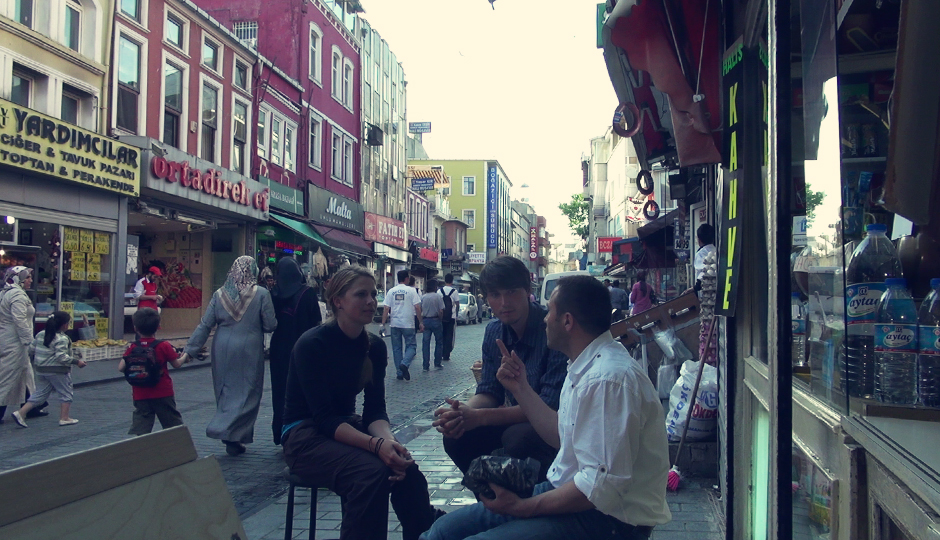 Suat besucht uns in Fatih und lädt uns erneut zu türkischem Kaffee...