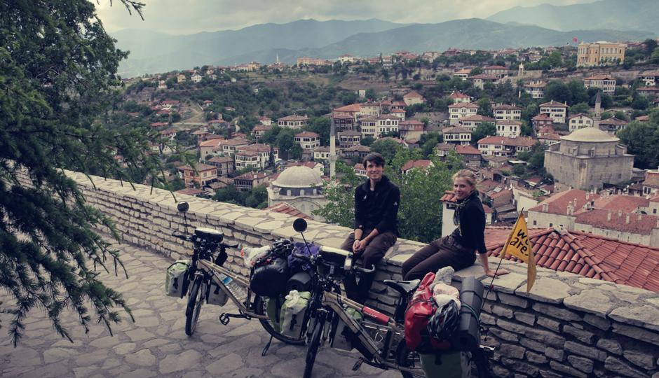 Blick über Safranbolu. Die Stadt war ursprünglich eine Etappenstation an einem der Zweige der sogenannten Seidenstraße. 700 Jahre lang war Safranbolu ein wichtiger Stützpunkt der Ost-West-Handelskarawanen