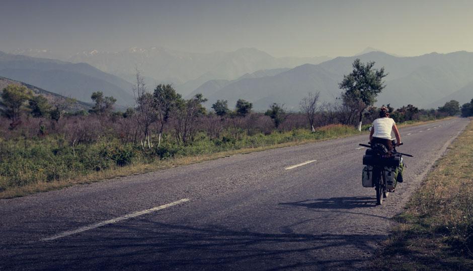 Die Berge rücken näher und somit auch die Grenze zu Aserbaidschan