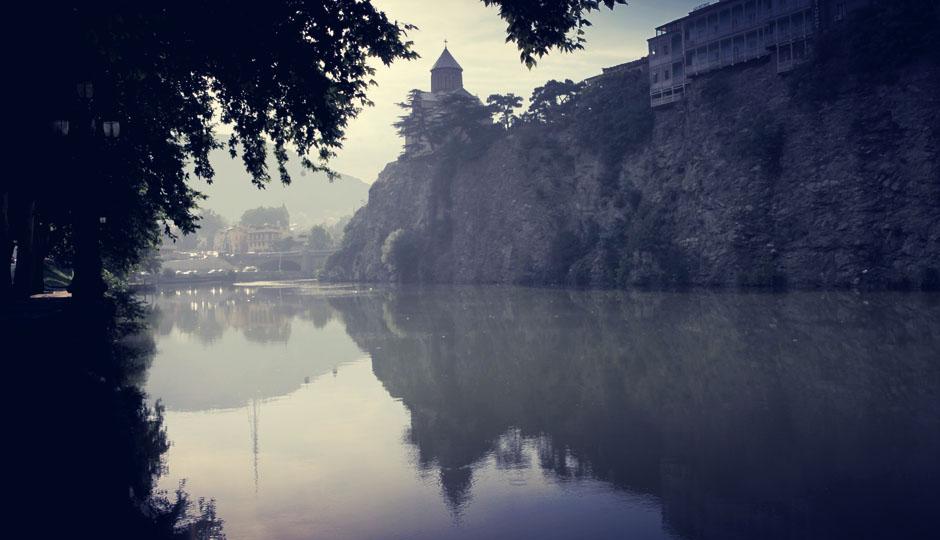 Endlich! Tbilisi zeigt sich bei tiefstehender Sonne von seiner schönsten Seite!