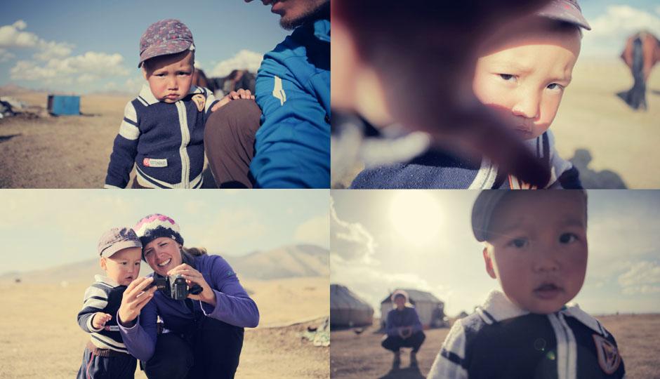 Der junge Kirgise ist fasziniert von unserer Kamera