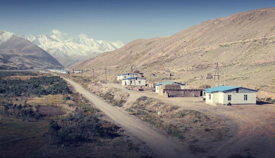 Das letzte Dorf vor der Grenze: Und das letzte Foto. Wir wollen im Grenzbereich keinen Ärger provozieren.