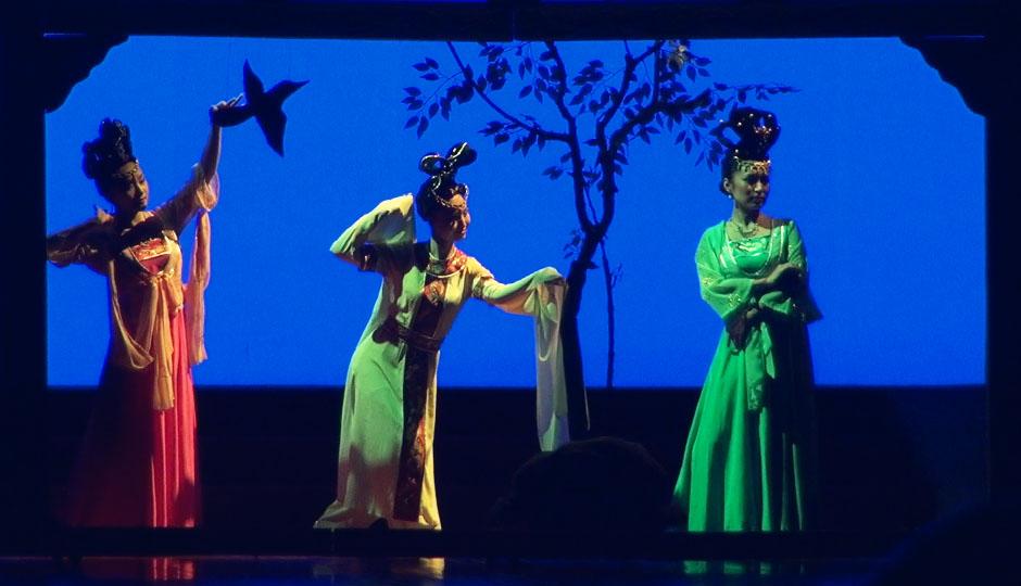 Chinesische Tanzshow: Nett, aber das Geld nicht wirklich wert.
