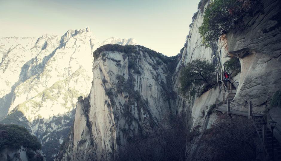 Über steile Pfade geht es nach oben...