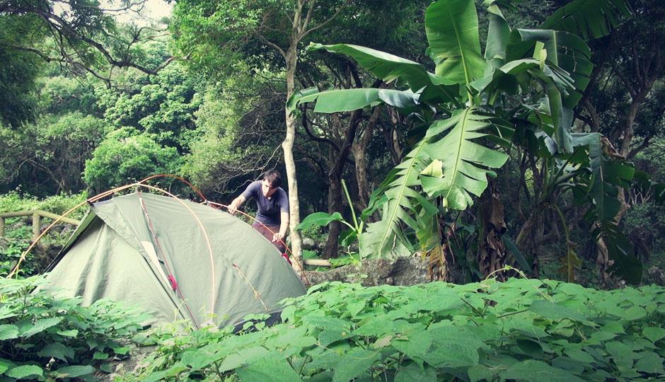 15. Dez 2012: Der letzte Campingplatz! Man glaubt es kaum, aber etwa 80 % Hongkongs bestehen aus Natur!