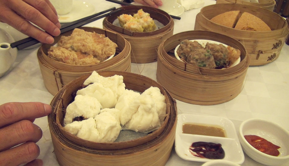 Donna unternimmt mit uns eine kulinarische Entdeckungstour durch Hongkong! Superjammi!